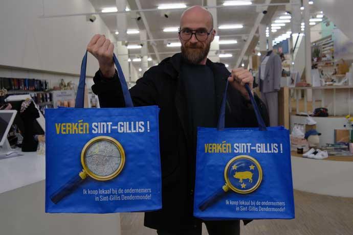 Rikkert Moernaut presenteert herbruikbare shopping bags